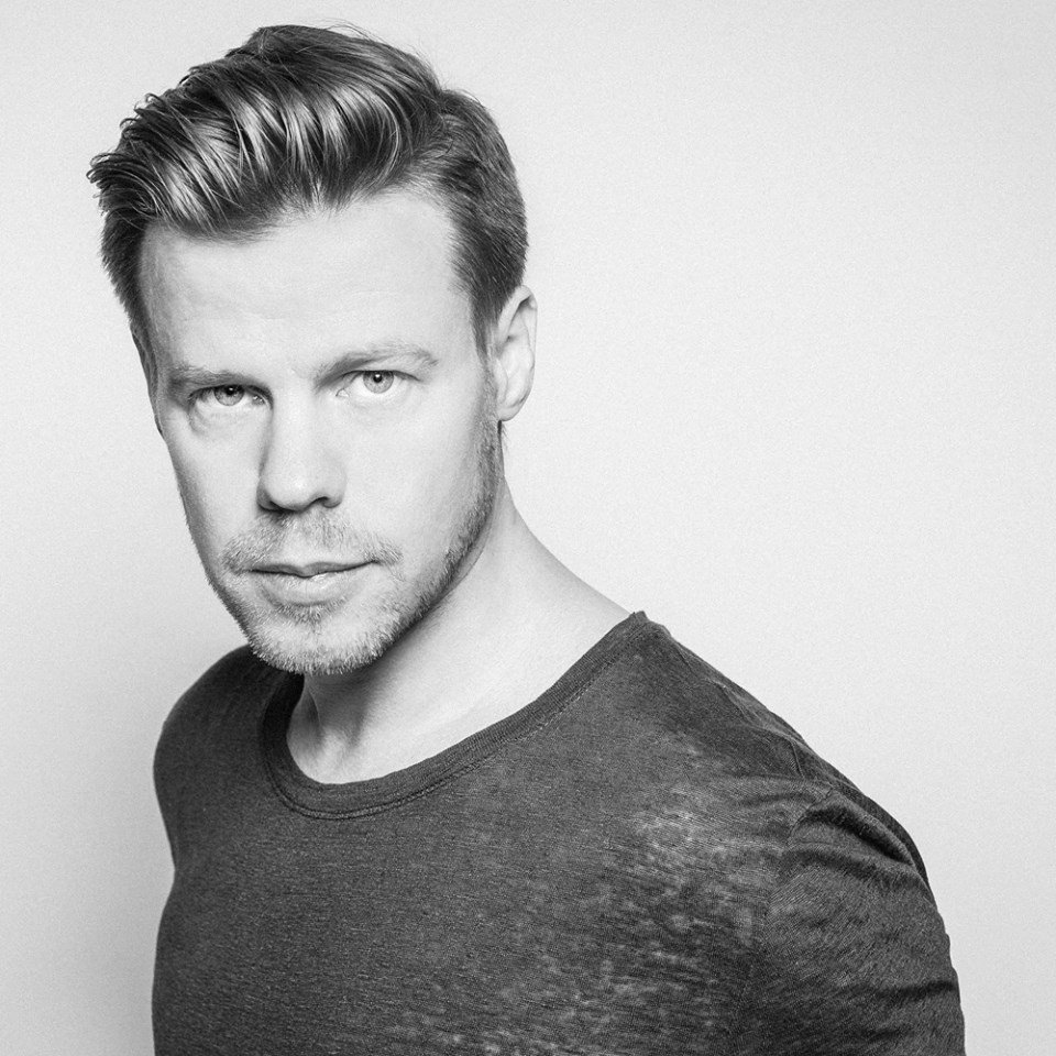 Ferry Corsten – Lonely Inside (Extended Ferry Fix) – Dancing Astronaut