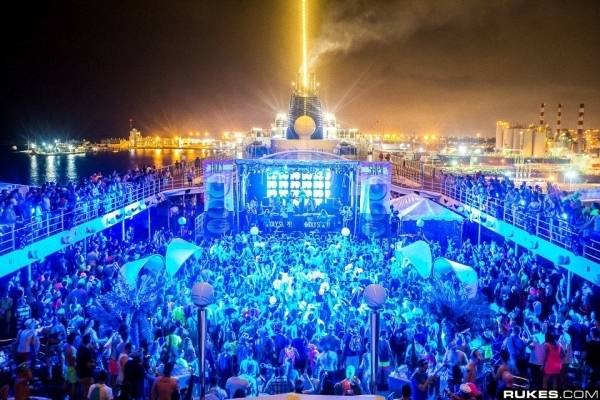 Holy Ship! Starts Off With Epic Surprise B2B2B Set