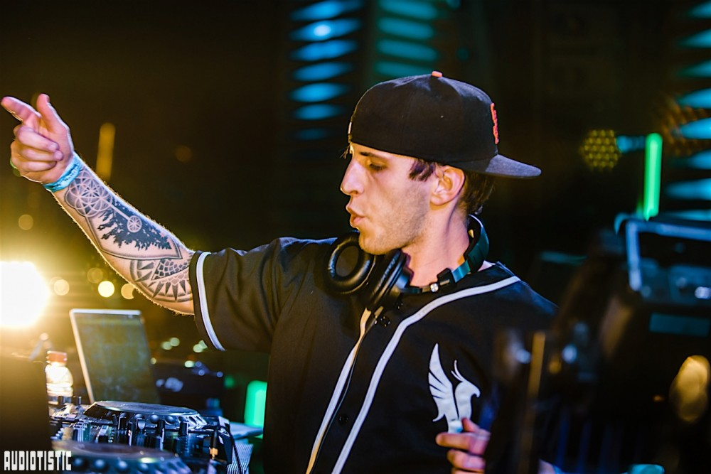 Illenium Endures Technical Difficulties Throughout LAN Gig