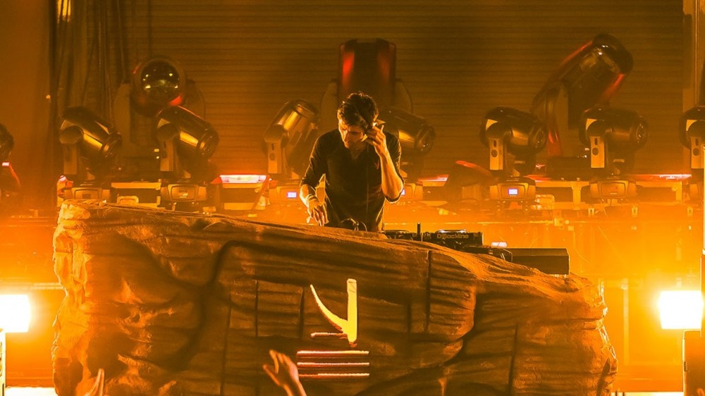 KSHMR Performs Stunning Set During Sunburn Festival 2017 [VIDEO]