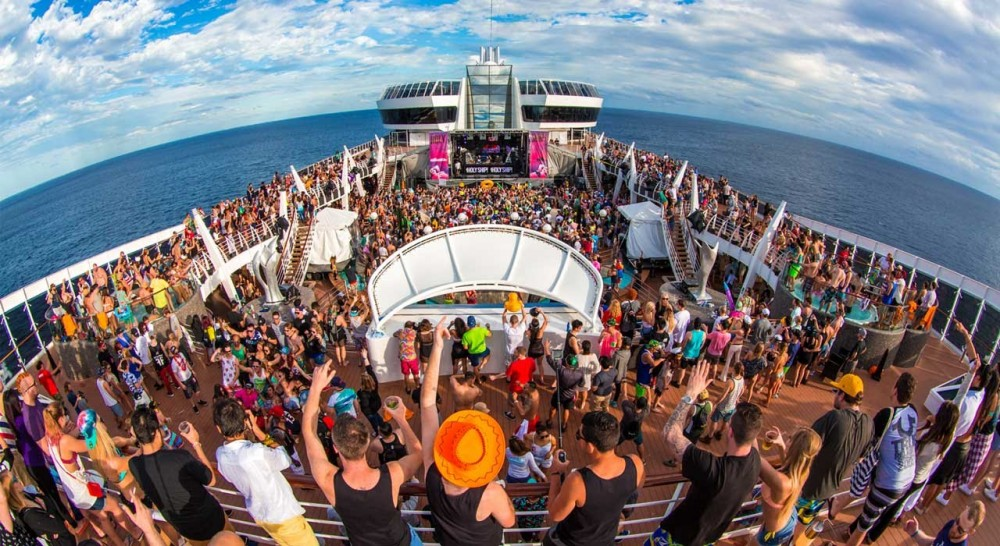 Kaskade Celebrates Holy Ship With A Small Recap For Fans