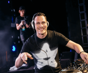 Tiësto enlists Colombian producer MOSKA for Latin anthem, 'Acordeão'